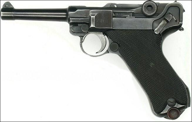 L'armée allemande utilisa ce pistolet qui fut remplacé car trop coûteux. Lequel est-ce ?