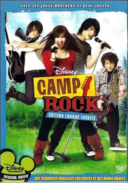 Qui joue dans  Camp Rock  au côté des Jonas Brothers ?
