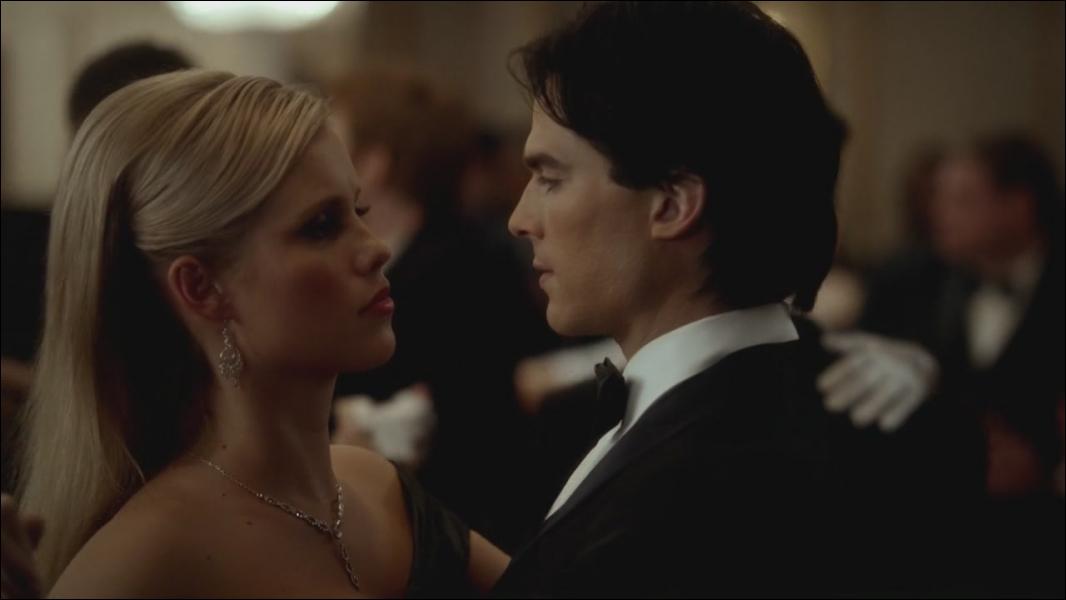Quel est ce couple et dans quelle saison a-t-on pu les voir s'embrasser pour la première fois ?