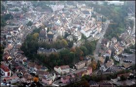 Voici la ville d'Altkirch vue des airs. Quelle en est la région ?