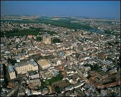 À quelle région attribuez-vous Saint-Quentin ?