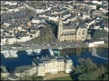 Où se trouve la ville de Sablé-sur-Sarthe ?