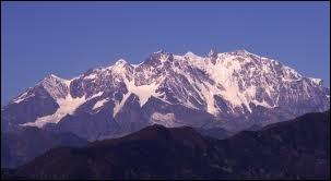 Entre quels pays se partage le Mont Rose ?