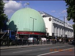 Comment s'appelle le musée que les One Direction ont visité il n'y a pas longtemps ?