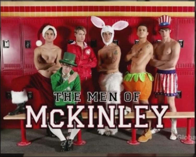 Saison 4 épisode 12 - Pour le calendrier   Les hommes de McKinley  , Blaine pose pour les mois...