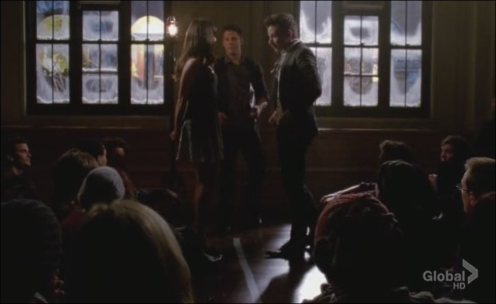 Saison 4 épisode 13 - Kurt défie Rachel au  Midnight Madness  . Qui gagne ?