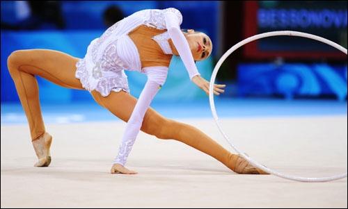 Qui a remporté les Jeux olympiques de gymnastique rythmique de 2008 à Pékin ?