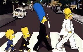 Quel groupe les Simpson imitent-ils ?