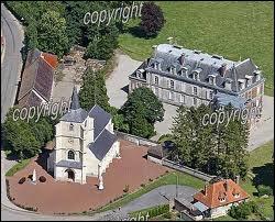 Comment appelle-t-on les résidents de la commune de Hautecloque ?