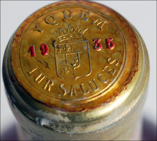 Le Château d'Yquem est le seul vin blanc classé premier cru supérieur, c'est un...