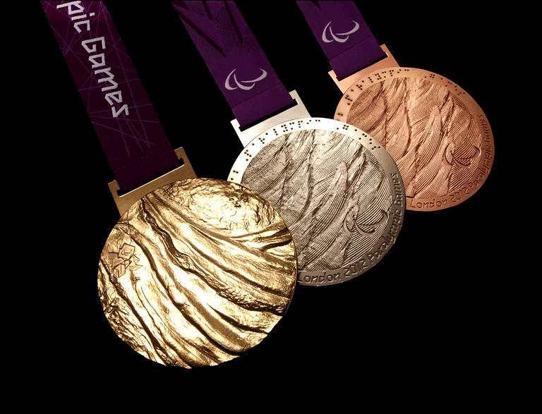 Quelle équipe a remporté les J. O. 2012 en gymnastique artistique ?