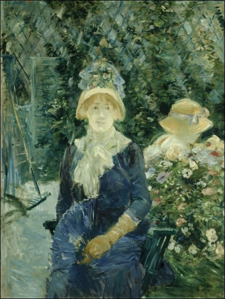Femme dans un jardin.