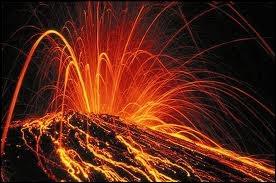 On a vu souvent rejaillir le feu d'un ancien volcan qu'on croyait trop vieux ...