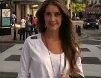Angie est la ... de Violetta.