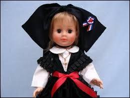 D'où vient cette poupée qui vous apporte des zimtsterne ?