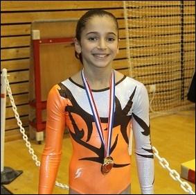 Quelle est cette jeune gymnaste française ?