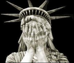Entre Rory, Amy et le docteur, quelles sont les 2 personnes qui ont découvert en premier que la statue de la Liberté est un ange pleureur ?