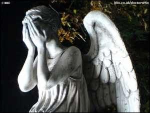 La première fois que l'on voit les anges, qui a averti Sally qu'ils étaient dangereux ?