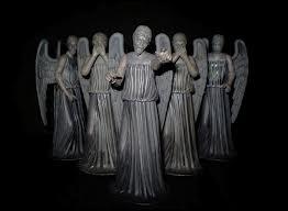 Combien de paires d'ailes d'anges voit-on sur cette photo ?
