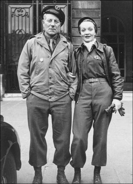 Beau pastiche d'espionnage pendant la 2ème guerre mondiale tourné par le père de la 7ème compagnie :