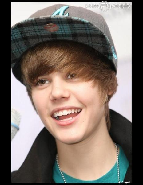 Justin Bieber est né au mois de :