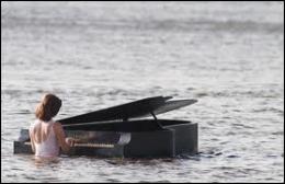 Si on a le sens de l'humour, on peut dire que cette photo représente un piano ------.
