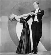 Fred Astaire (dansant sur la photo avec Ginger Rogers) portait à merveille la queue ----- .