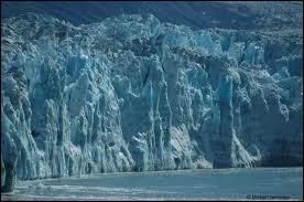 Combien de m3 d'eau le glacier d'Alaska perd-il chaque année ?
