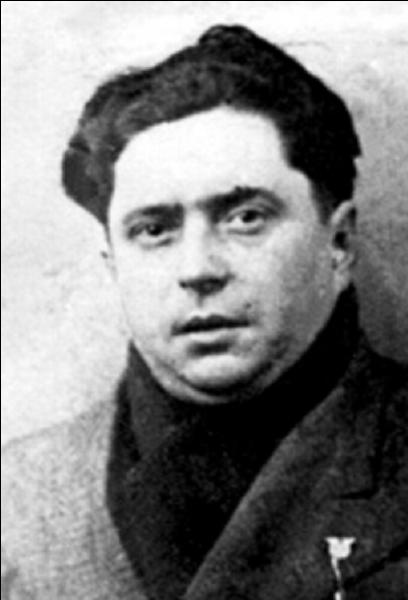 Penchons-nous sur la lettre « T » ! Une victime de la 2e Guerre mondiale, mort pour la France, fusillé par les nazis; c'était un résistant et un syndicaliste. !