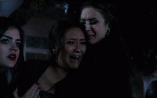 Par qui Emily apprend-elle que Maya a été assassinée ?