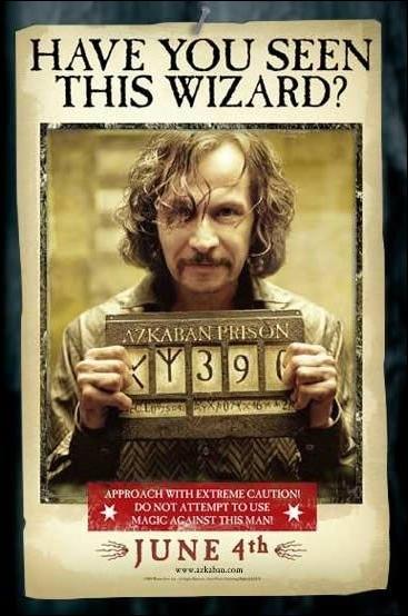Dans le Magicobus, Harry apprend qu'un meurtrier s'est évadé d'Azkaban, qui est-ce ?
