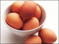 Faire dépendre son sort d'une seule chose, c'est  Mettre tous ses œufs dans le même ---