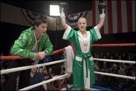 Dans  Scary Movie 4 , de quel film de boxe la scène où Cindy doit affronter quelqu'un pour devenir championne de box est-elle une parodie ?