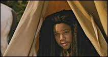 Quel film de Ang Lee est parodié dans la scène où deux garçons sont sous une tente, dans  Scary Movie 4  ?