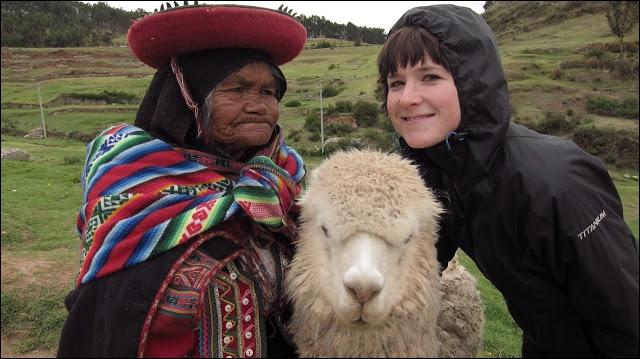 Dans les montagnes péruviennes, le temps n'est pas toujours clément, pour prendre une photo, il faut profiter d'une ...