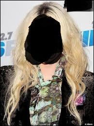 Qui est cachée derrière cet horrible masque ?