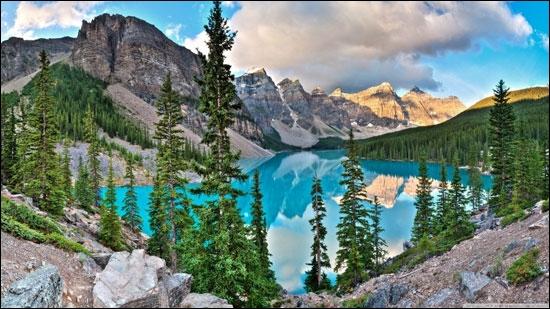 C'est dans le parc national de Banff que vous trouverez le lac Moraine, à environ 1885 mètres d'altitude !