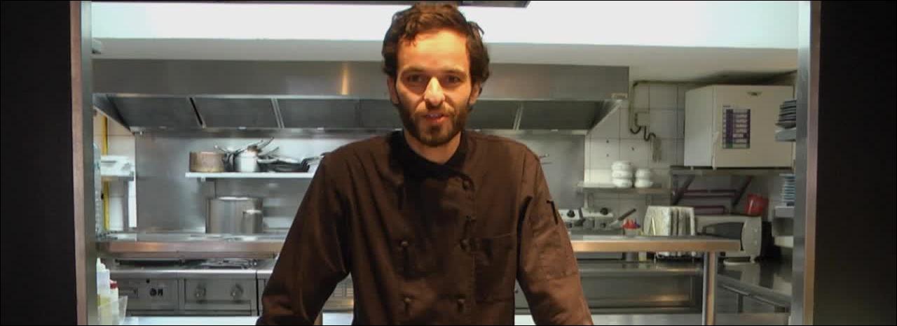 Qui est ce candidat âgé de 31 ans qui se lance dès l'âge de 18 ans dans la cuisine ?