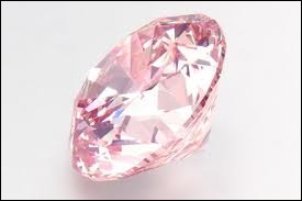 Cette pierre est-elle un diamant rose ?