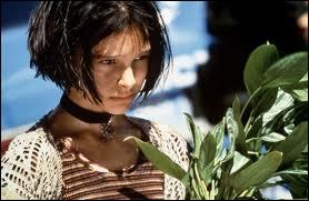 Cinéma : dans ce film sorti en 1994, elle interprète Mathilda, une orpheline de douze ans, mais 5 ans plus tard, dans quelle saga cinématographique incarne-t-elle une reine ?