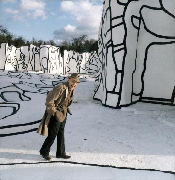 Qui prétendait que  l'art vivant est dans la rue , échappant à tout marché parce qu'il se montre désintéressé ?