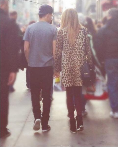 Avec qui Liam est-il actuellement en couple ?