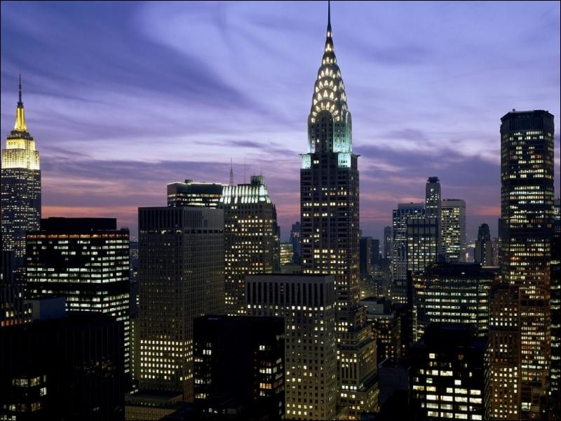À Paris, il y a le French Cancan, mais à New York quelle star vient le plus souvent en concert à New York pour divertir les gens le soir ?