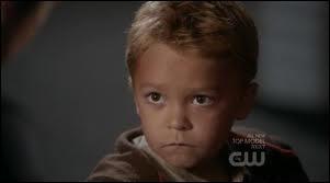 Comment s'appelle le fils de Clay ?
