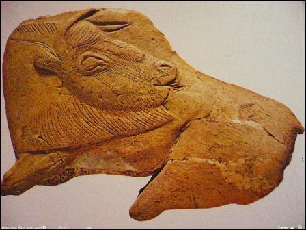 20 000 ans avant J. -C. Ce bison est taillé dans un bois de renne et provient de la grotte de la Madeleine. Comment datez-vous l'époque magdalénienne ?