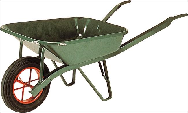 Comme le jardinier, le maçon transporte des choses. Comme s'appelle ce petit moyen de transport des matériaux ?
