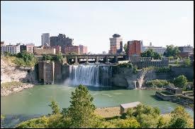 Dans quel État se trouve la ville de Rochester ?
