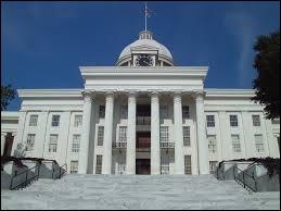 Dans quel État se trouve la ville de Montgomery ?