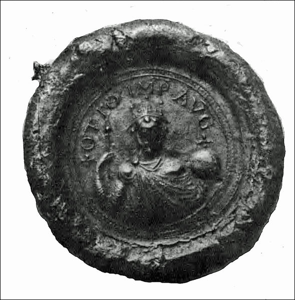 En 962, le roi de la Francie orientale (Germanie) Otton Ier est couronné empereur des Romains. Pour quelle raison la dignité impériale est-elle rétablie trente-huit ans après la mort du dernier empereur carolingien ?