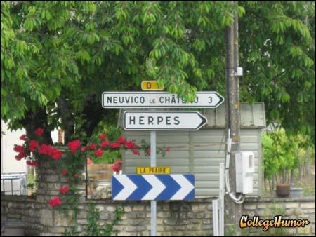 Que faut-il faire si l'on ne veut pas revenir avec un souvenir tenace d'un séjour dans ce village de Charente ?